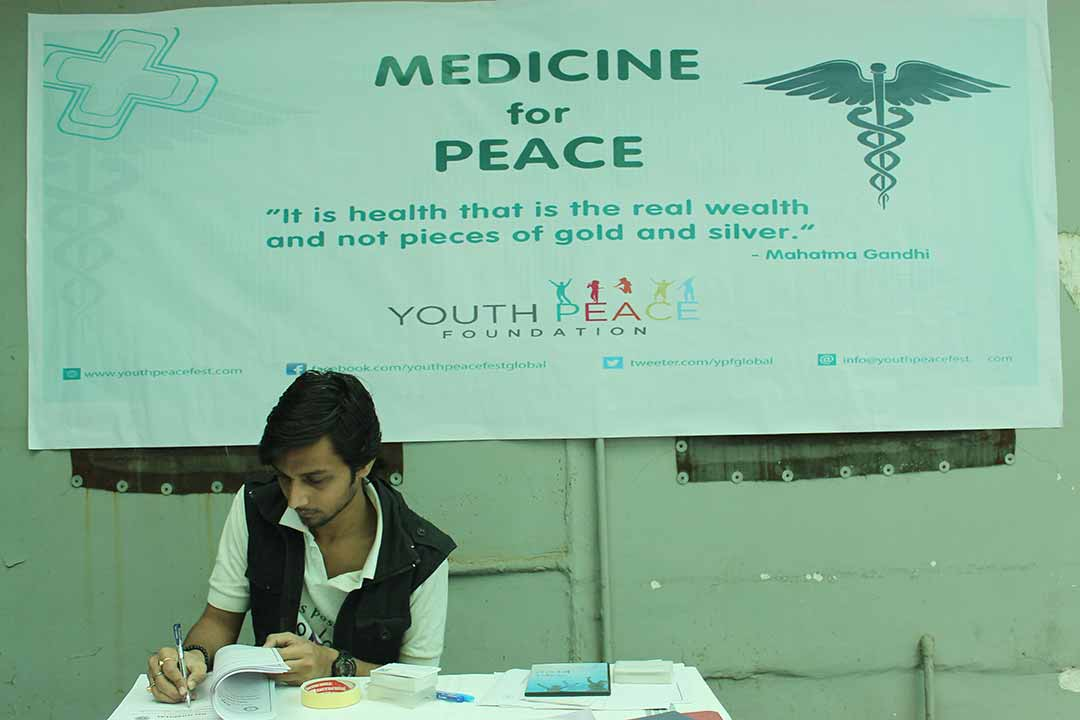 YPF-Medicine-for-Peace-(12)